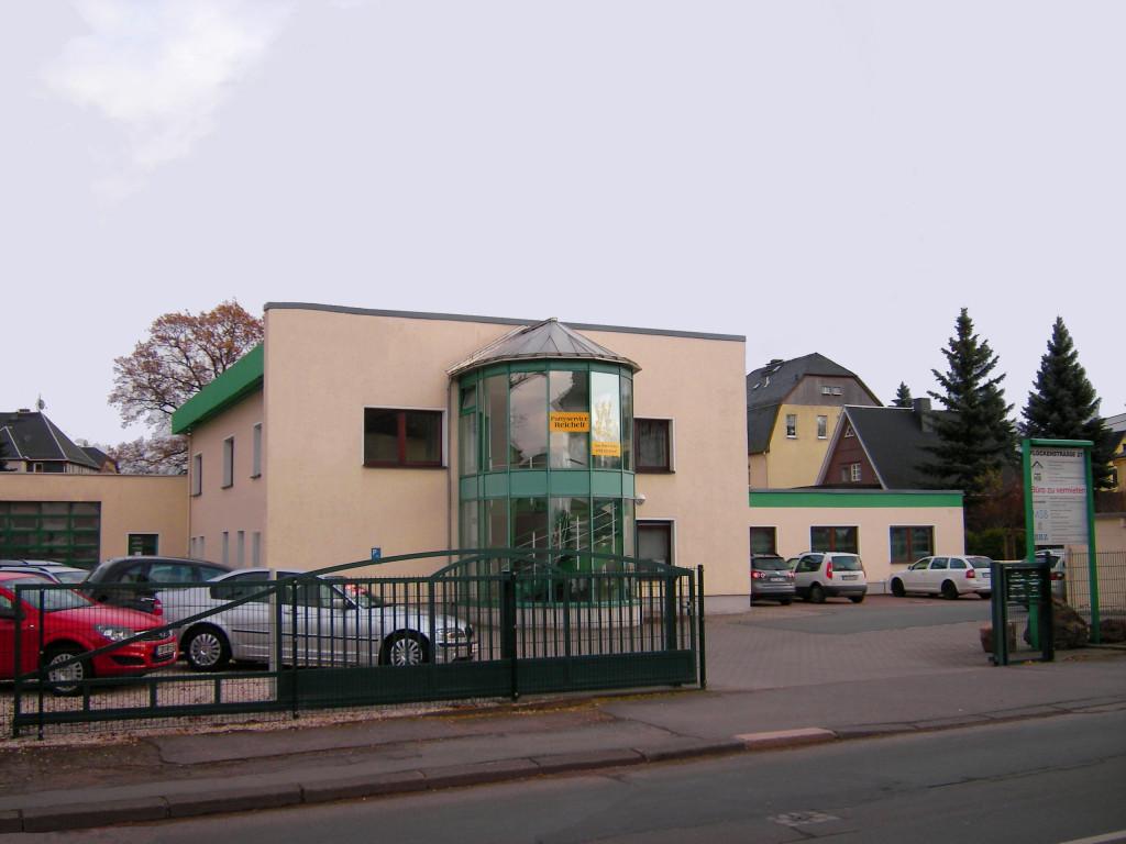 Gebäude des Vermessungsbüros Ossig, Lugau , Anfahrt